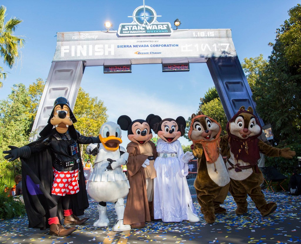 rundisney-star-wars-half-marathon-weekend-disneyland-disney-characters